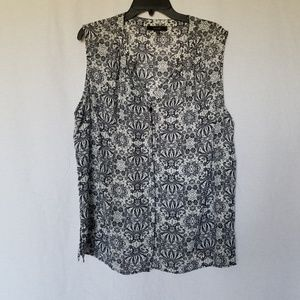 Eclair floral print sleeveless blouse plus size 1x
